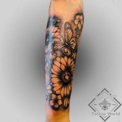 Tattoo Blumen Schmetterling